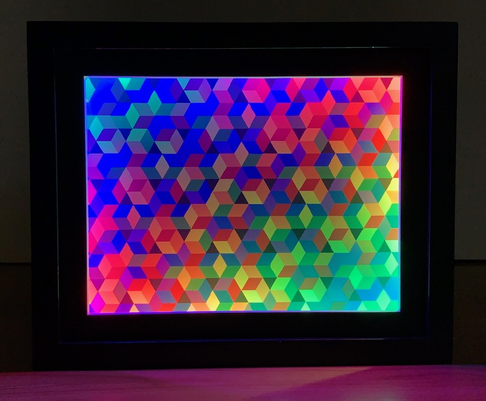 Open Hexagonal Lattice I with Color-Shifting Frame