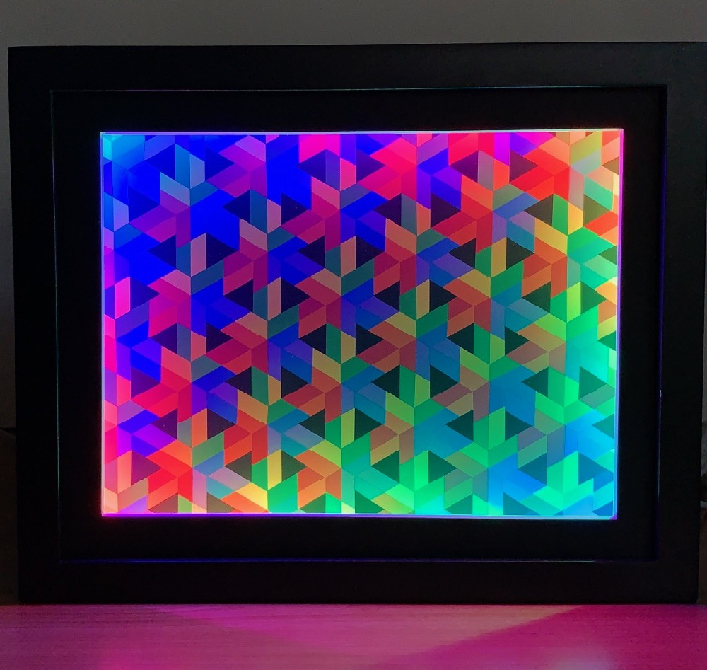 Open Hexagonal Lattice II with Color-Shifting Frame